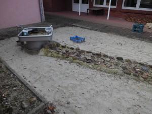 außengelände krippe sand